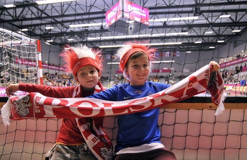 2015.12.06 NAESTVED DANIA PILKA RECZNA HANDBALL MISTRZOSTWA SWIATA W PILCE RECZNEJ KOBIET DANIA 2015 IHF WOMENS HANDBALL WORLD CHAMPIONSHIP DENMARK 2015 MECZ POLSKA - SZWECJA (POLAND - SWEDEN) N/Z KIBICE FOTO NORBERT BARCZYK / PRESSFOCUS